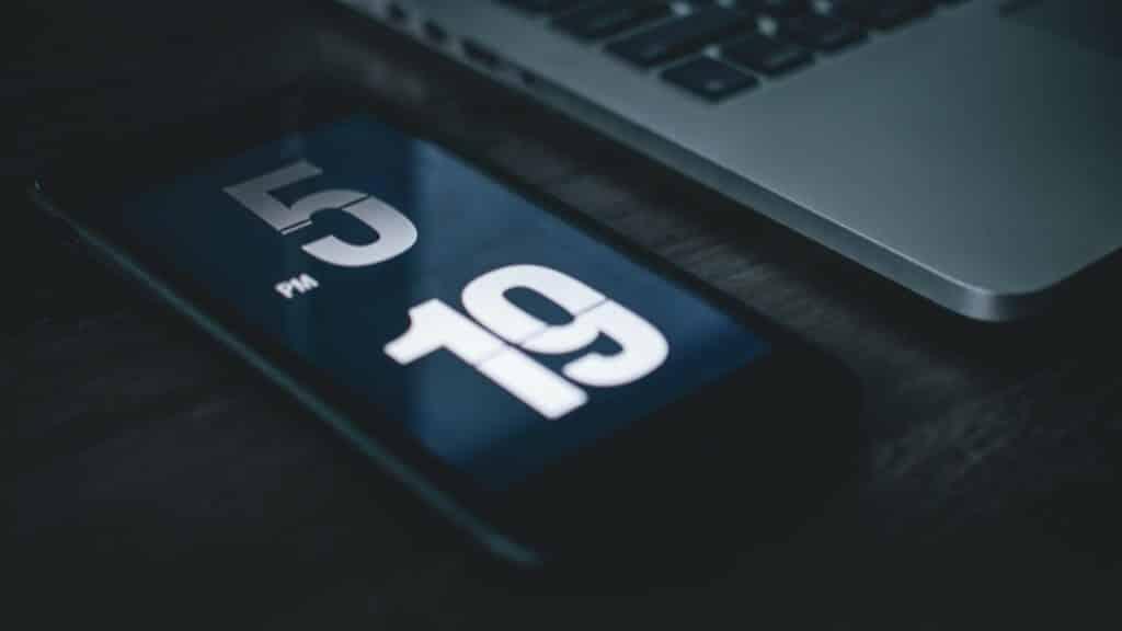 Funny Morning Alarm Ringtones App Review – Sidesplitting Alarm Tones