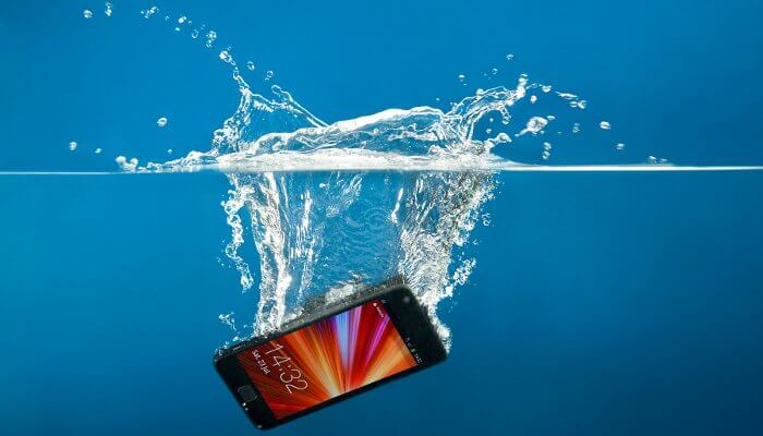 save a wet cellphone