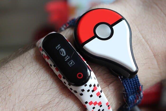 Pokemon Go Plus vs Go-tcha: Battle of the Pokemon Go Trackers | Joy of Android