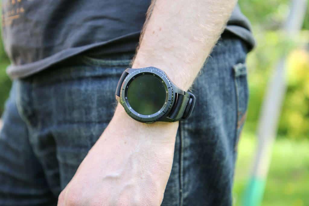 Top 3 Best Samsung Smartwatches for Men in 2021