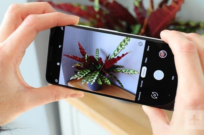 Pixel 3 photo app interface