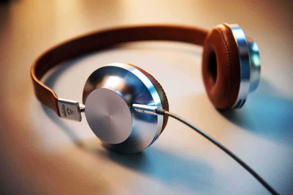 6 Best High-End Headphones for Audiophilles and Not Only