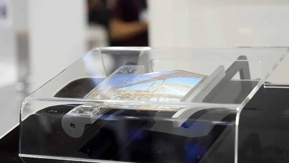 Sony's rollable smartphone makes you forget of the foldable smartphones