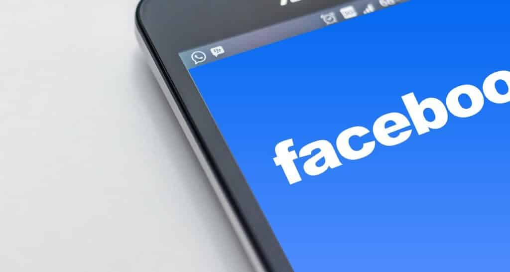 Facebook's Android app is getting dark mode and coming very soon