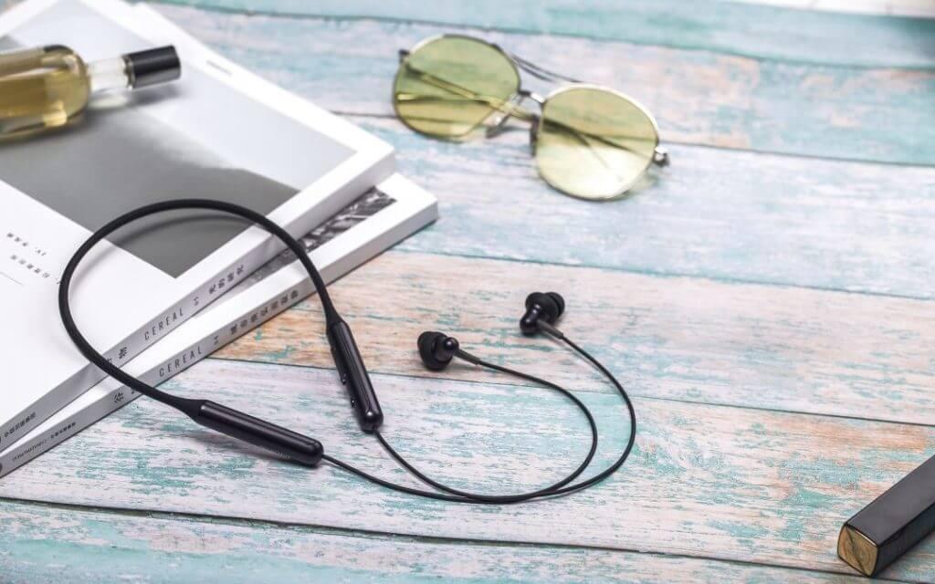 9 Best Neckband Bluetooth Headphones To Buy