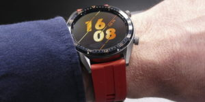 Take and receive calls directly on your wrist