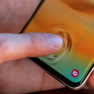 Users of the Galaxy S10, S10 Plus, and Note 10 need to watch out for Samsung's hotfix