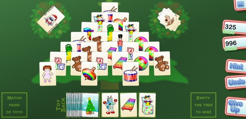 Best Christmas Solitaire Game Apps - Christmas Tree Solitaire In-game UI