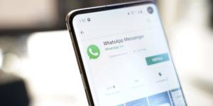 """WhatsApp update gives Android users a new """"battery-saving"""" feature"""