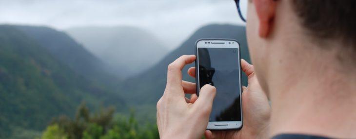 Best Phones for Outdoor Travel