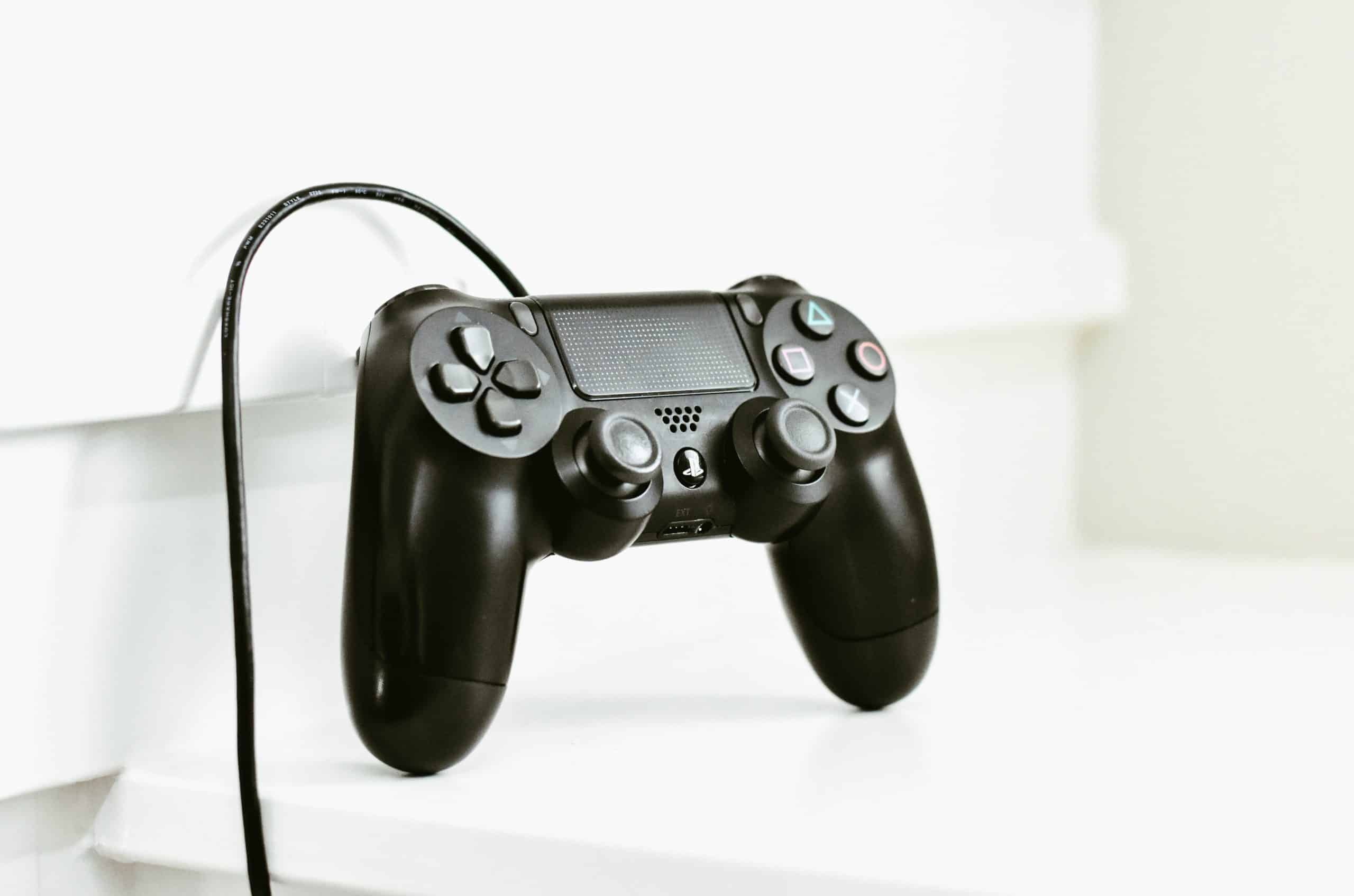 PS4 Hacks That You Can Use - Charge Your DualShock Using A Phone Charger