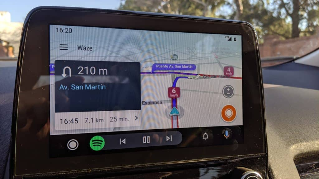 Android 11 will bring wireless Android Auto to all smartphones