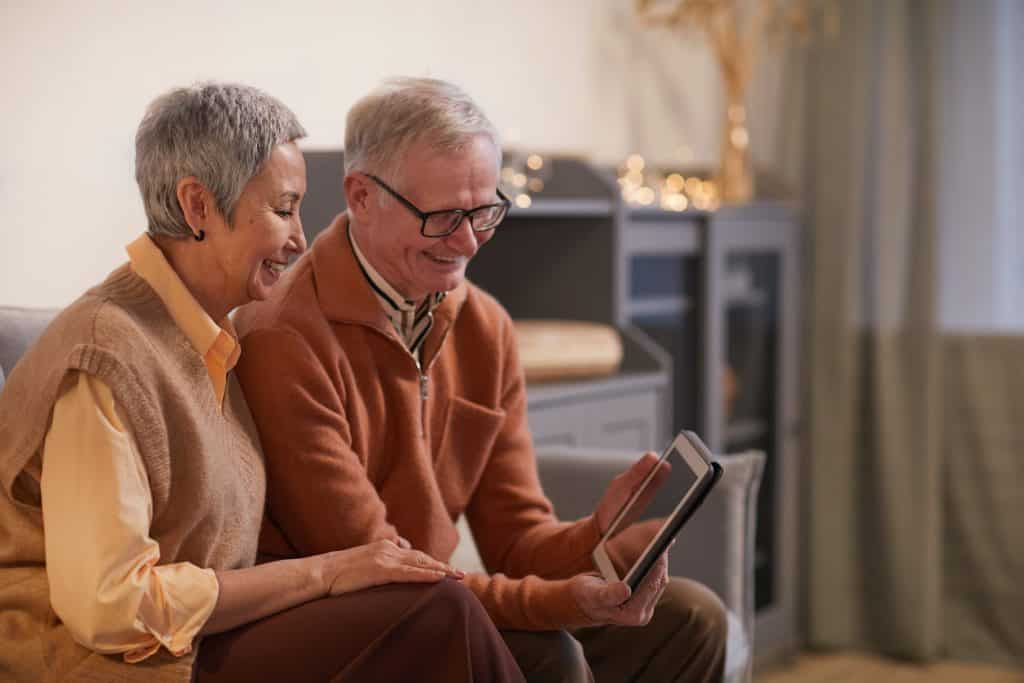 The Best 3 Amazon Kindle for Seniors in 2021